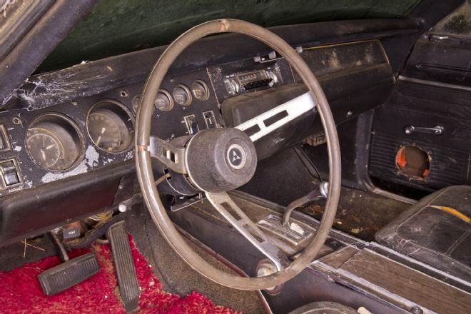 1969-Dodge-Daytona-interior-2