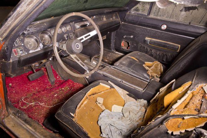 1969-Dodge-Daytona-interior