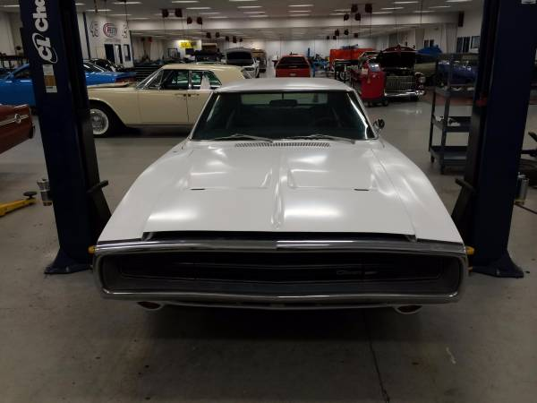 1970-Dodge-Charger-front