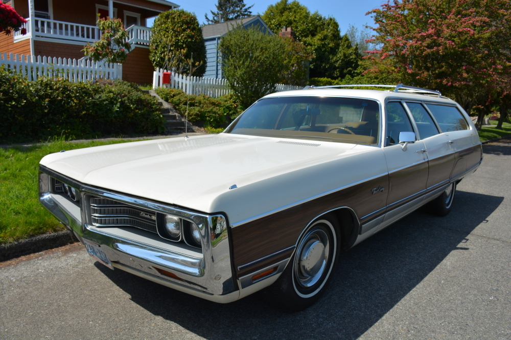 1972-Chrysler-Town-and-Country