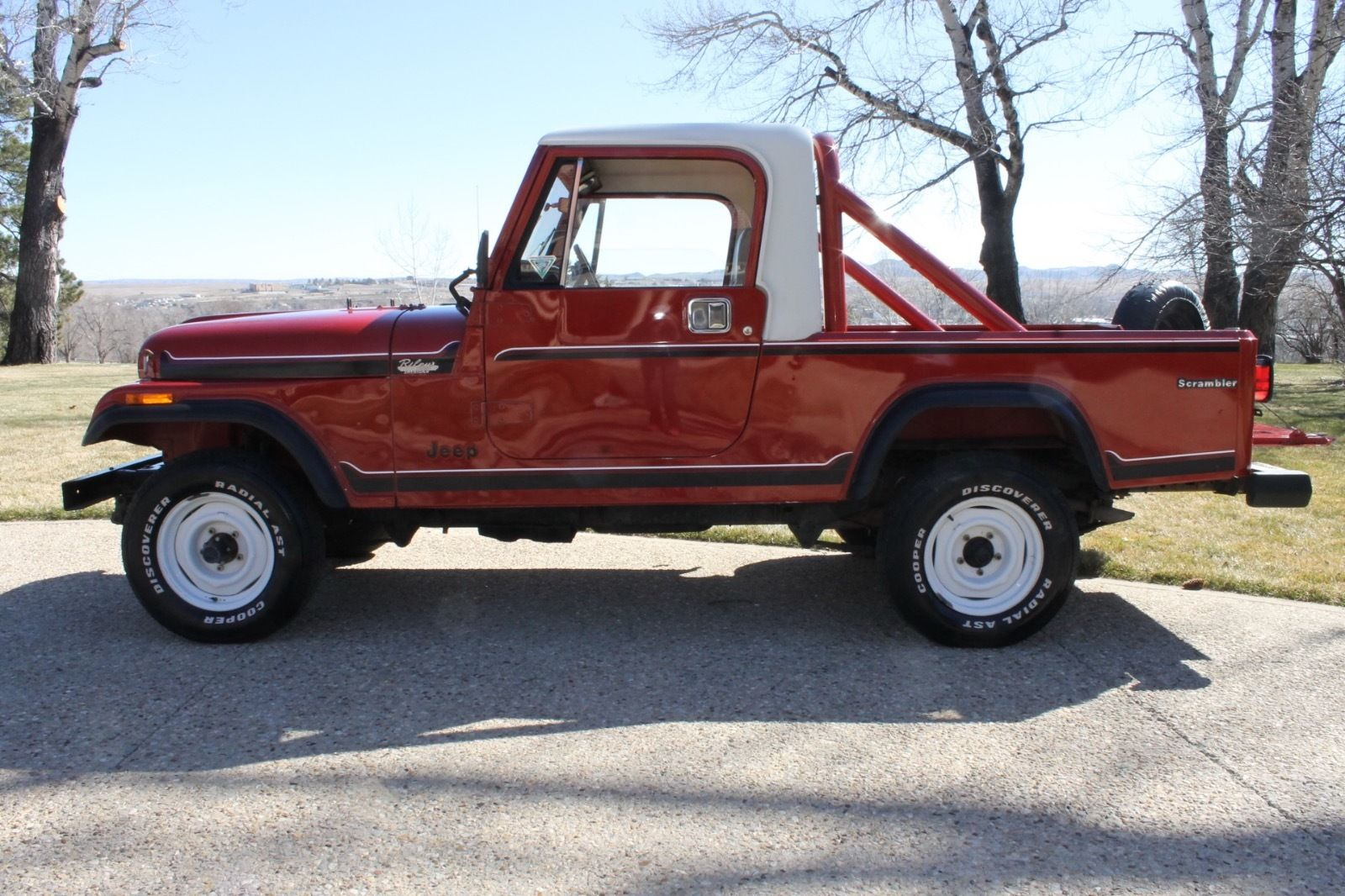 1985-Jeep-Scrambler-side