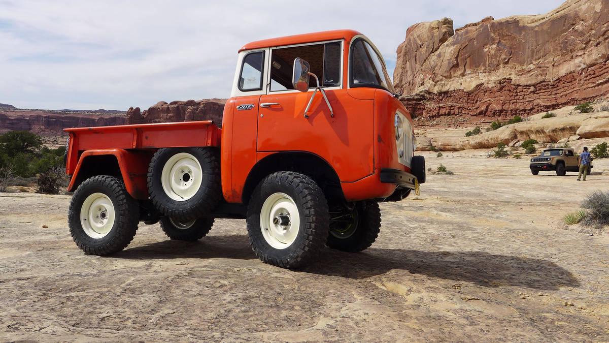 Jeep-FC150