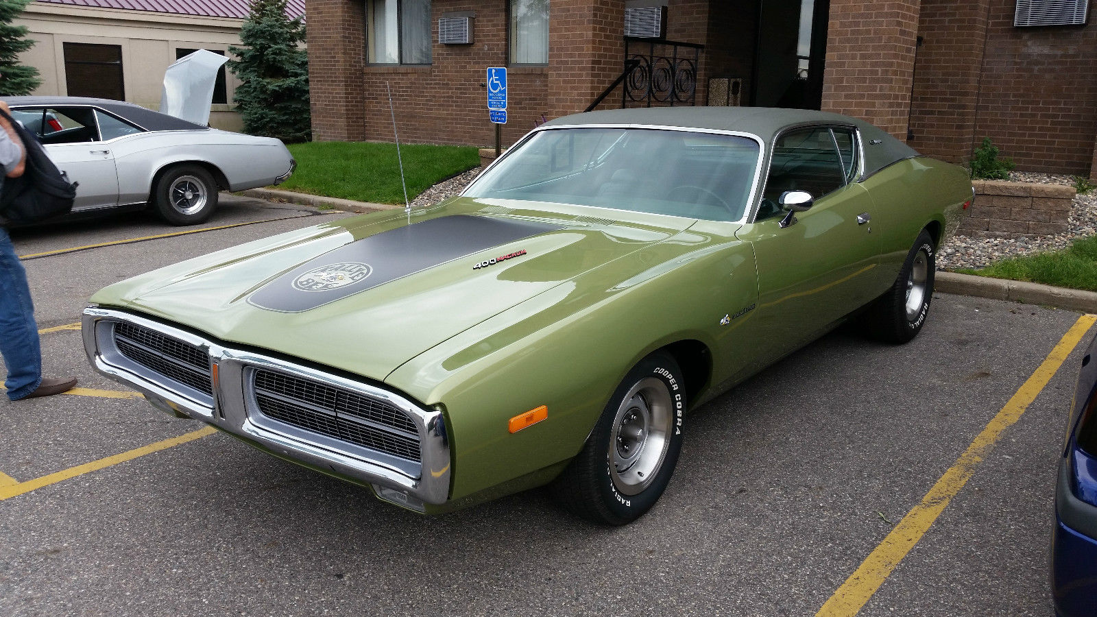 1972-Dodge-Charger-3qtr