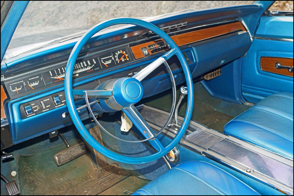 1968-Plymouth-GTX-dash