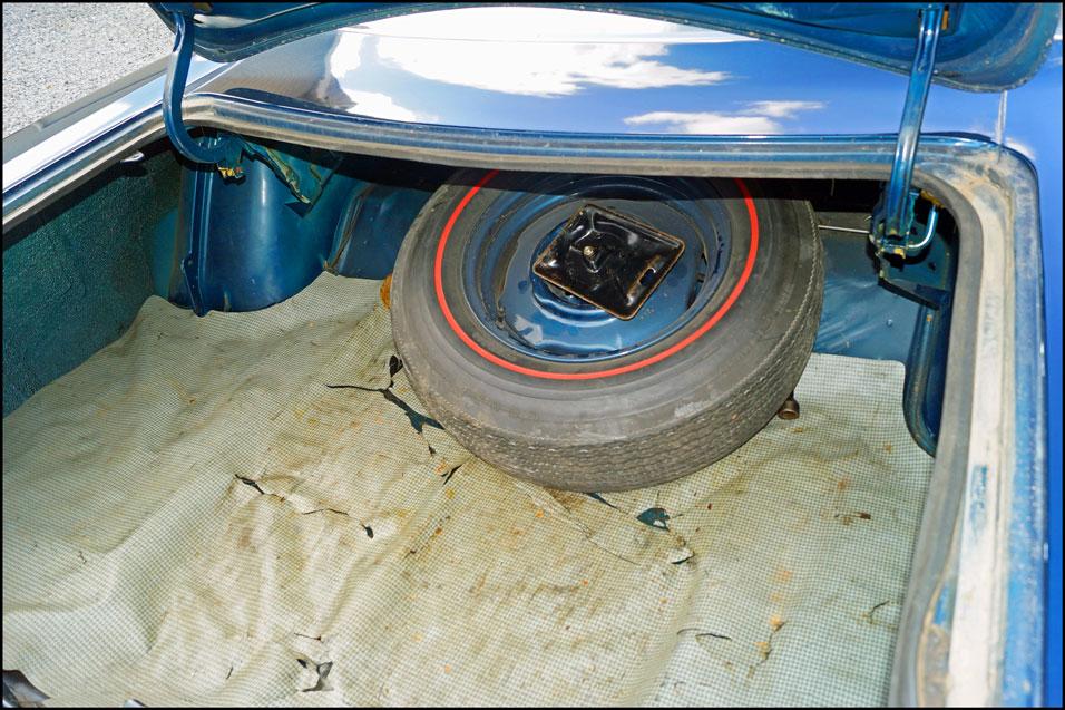 1968-Plymouth-GTX-trunk