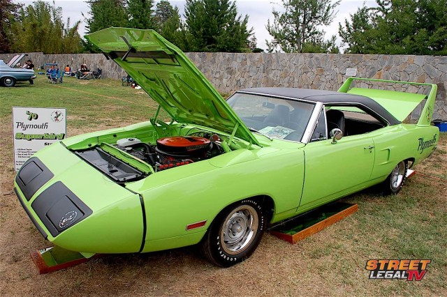1970-Plymouth-Superbird-Hemi-3qtr
