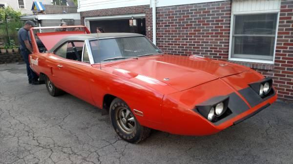 1970-Plymouth-Superbird-3qtr
