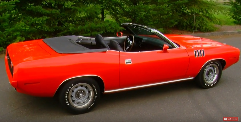 1971-Plymouth-Cuda-3qtr-rear