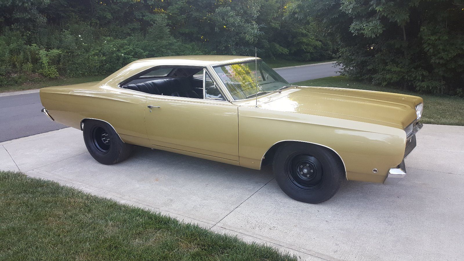 1968-Plymouth-Satellite-side-2